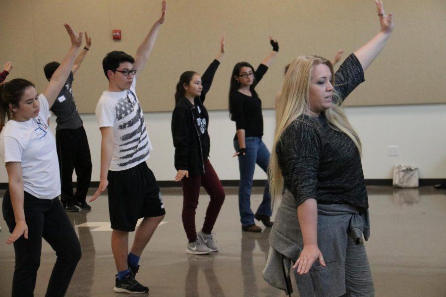 The+Dancers+have+Arrived+for+Footloose%21