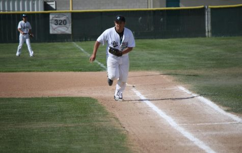 Varsity Baseball Hosts Righetti