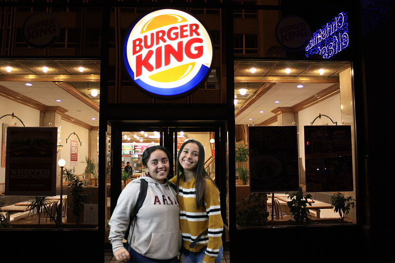 Stacy+Barrera+and+Jackie+Corona+are+the+burguer+queens